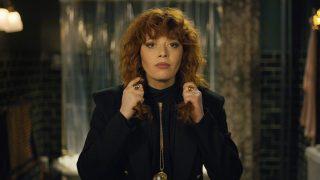 Сериал месяца: почему стоит посмотреть «Матрешку» от Netflix-320x180