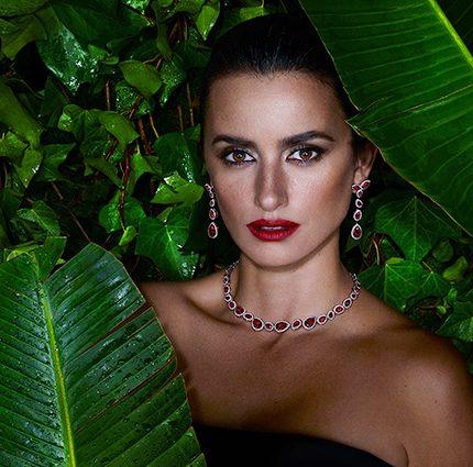 Пенелопа Крус в рекламной кампании ювелирных украшений-430x480