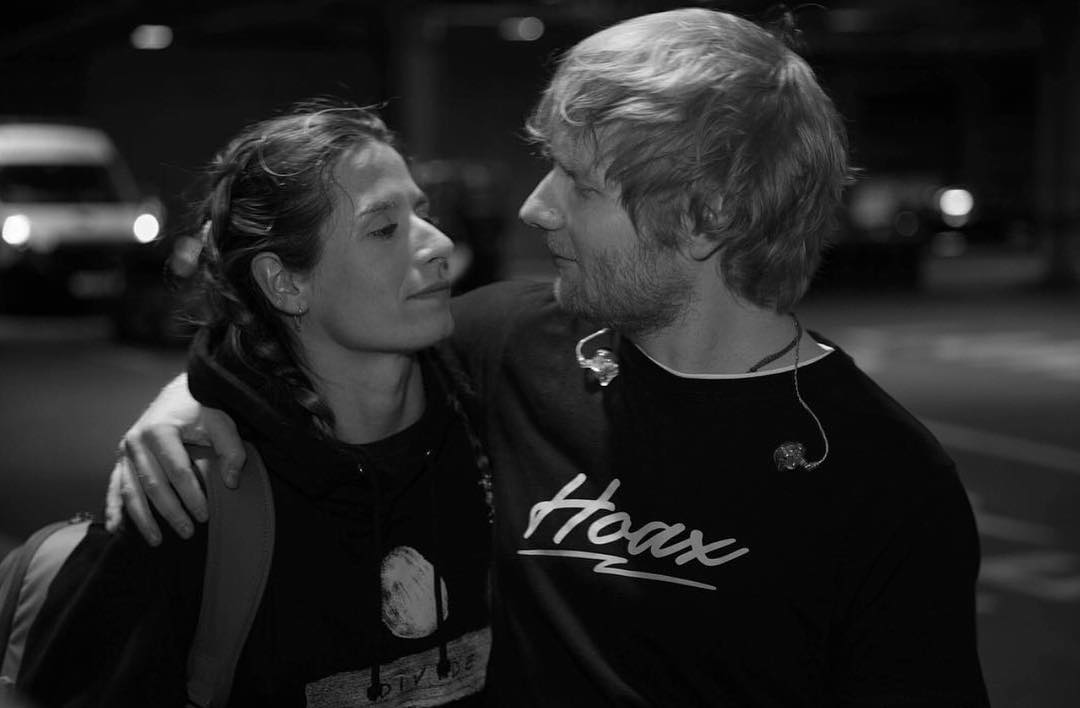 Эд Ширан тайно женился на своей девушке-хоккеистке-Фото 2