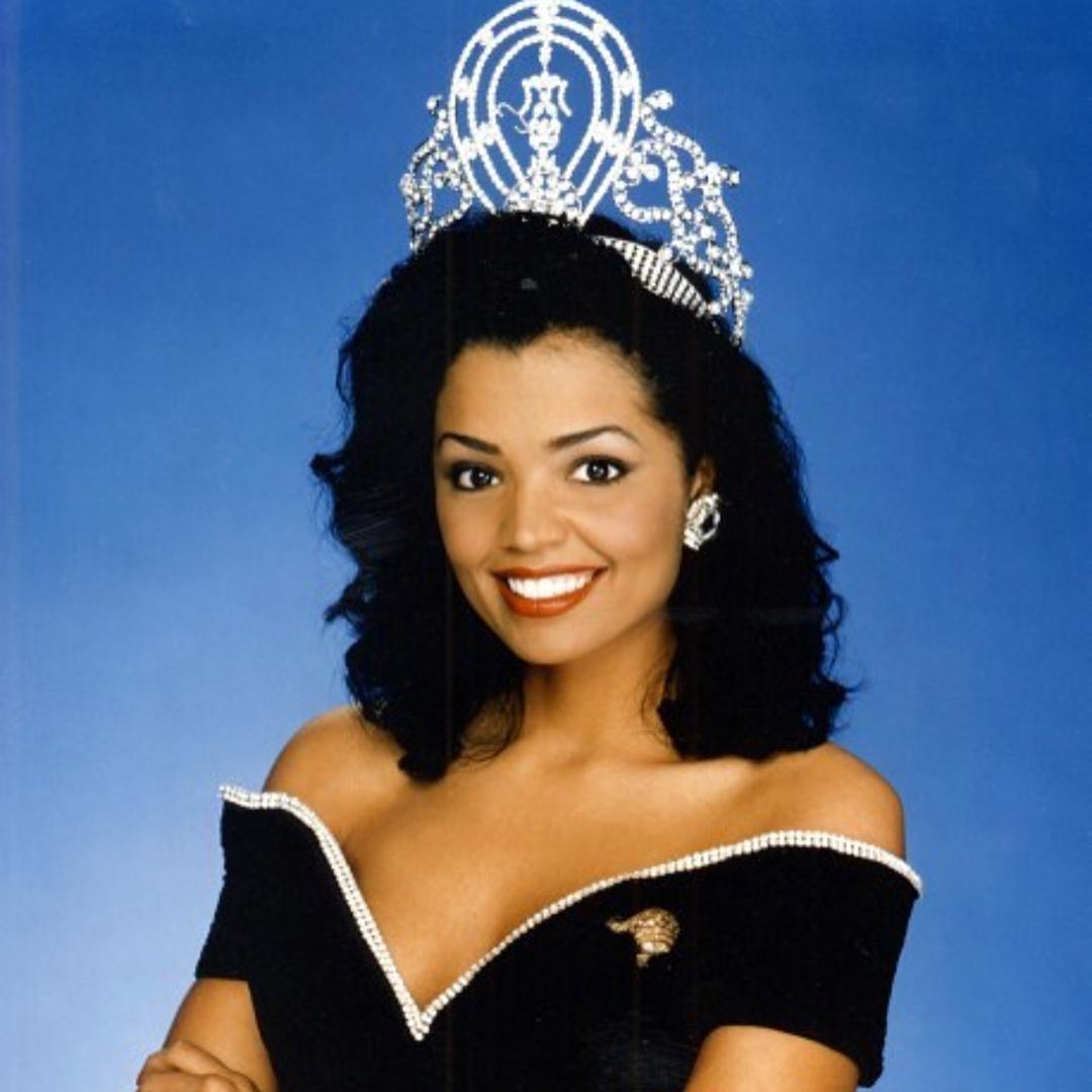 Узнайте, кто стал Мисс Вселенная в год вашего рождения-Фото 18