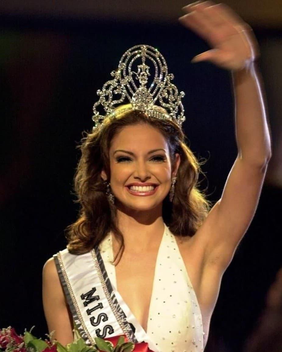 Узнайте, кто стал Мисс Вселенная в год вашего рождения-Фото 24