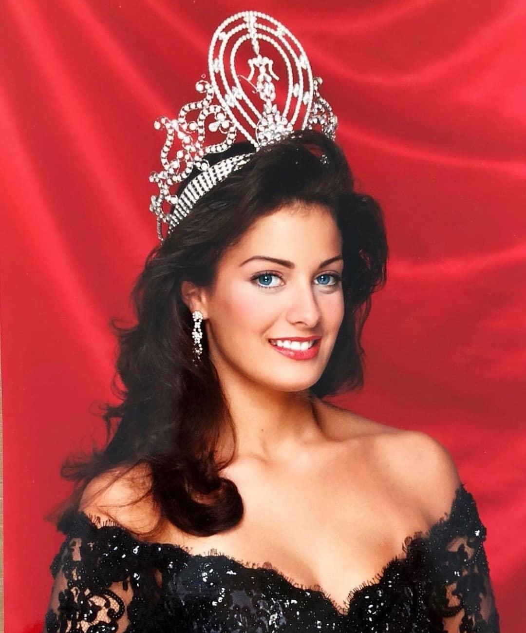 Узнайте, кто стал Мисс Вселенная в год вашего рождения-Фото 16