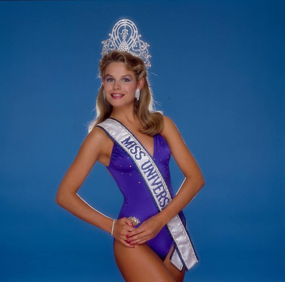 Узнайте, кто стал Мисс Вселенная в год вашего рождения-Фото 6