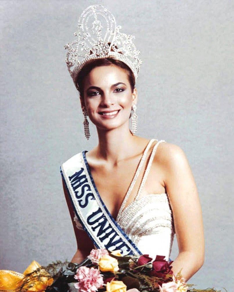 Узнайте, кто стал Мисс Вселенная в год вашего рождения-Фото 2