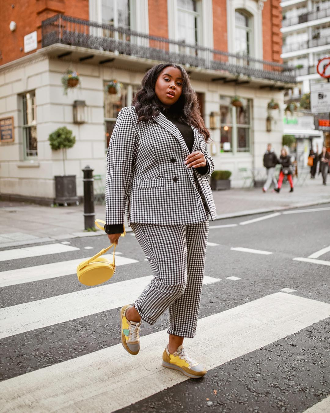 Модные блогеры рассказали о своих любимых вещах-Фото 5