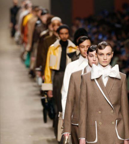 В память о маэстро: Почему показ Fendi был особенным на Неделе моды в Милане-430x480
