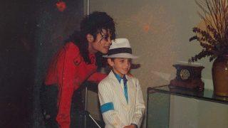 Шокирующий фильм «Покидая Неверленд» о темной стороне Майкла Джексона-320x180