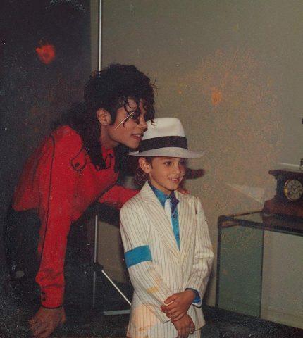 Шокирующий фильм «Покидая Неверленд» о темной стороне Майкла Джексона-430x480