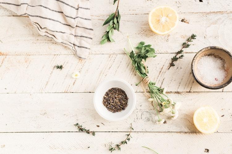 Эфирные масла, которые помогут справиться с тревожностью и стрессом-Фото 5