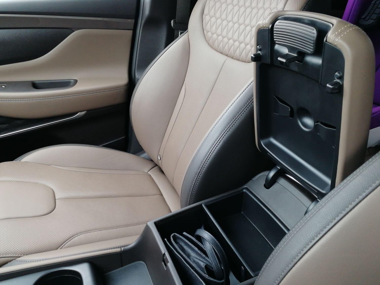 Кроссовер Hyundai Santa Fe-Фото 11
