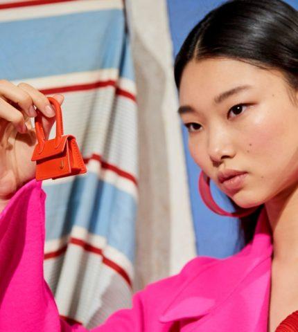 Крошечные сумочки: Новый тренд с Недели высокой моды в Париже-430x480