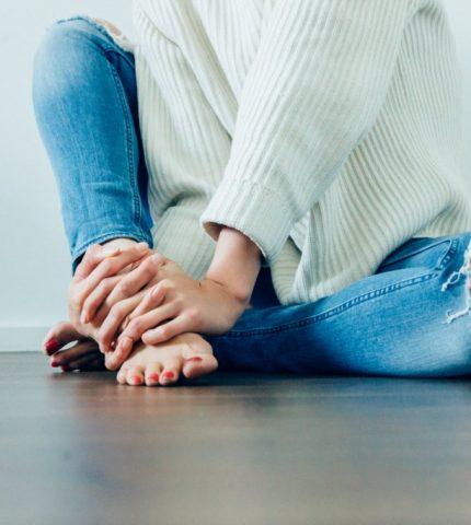 Основные симптомы вросших ногтей на ногах и как с этим бороться-430x480