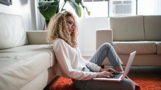 Привет, фрилансер: как продуктивно работать из дома во время карантина-320x180