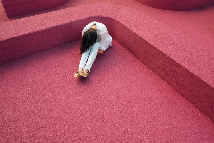 Симптомы, которые говорят, что вам стоит обратиться к психотерапевту-Фото 1