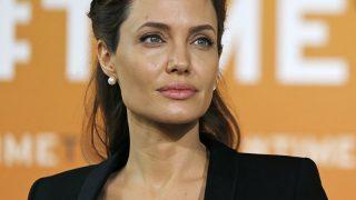 Анджелина Джоли призывает пересмотреть права женщин во всем мире-320x180