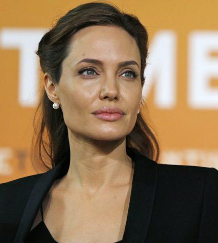 Анджелина Джоли призывает пересмотреть права женщин во всем мире-430x480