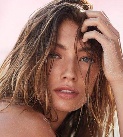 Знакомимся с новыми «ангелами» Victoria's Secret-430x480