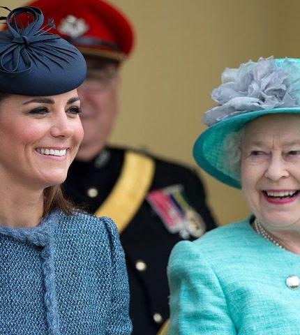 Елизавета II сделала Кейт Миддлтон особенный подарок-430x480
