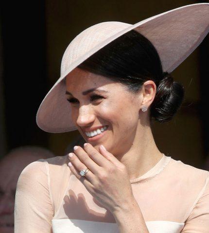 Елизавета II запретила Меган Маркл носить королевские украшения-430x480