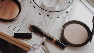 Топ-10 средств для макияжа в стиках-320x180