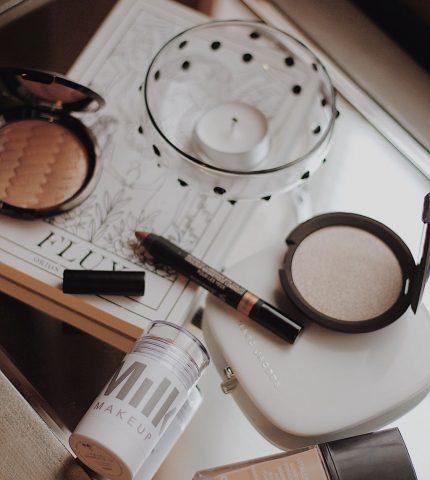 Топ-10 средств для макияжа в стиках-430x480