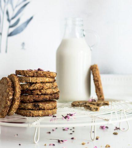 Овсяное молоко: польза для здоровья или дань моде-430x480