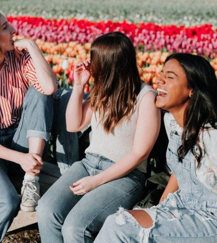 6 типов друзей, которых стоит обрести до 30 лет-430x480