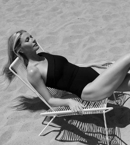 Гвинет Пэлтроу показала фигуру в новой рекламной кампании купальников-430x480
