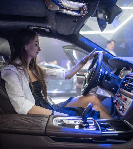 Как прошла презентация люксовых автомобилей BMW в Украине-430x480