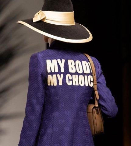 Бренд Gucci поднял тему запрета абортов на показе новой круизной коллекции-430x480