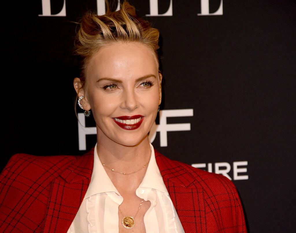 Шерлиз Терон впервые прокомментировала слухи о вражде с Анджелиной Джоли-Фото 1