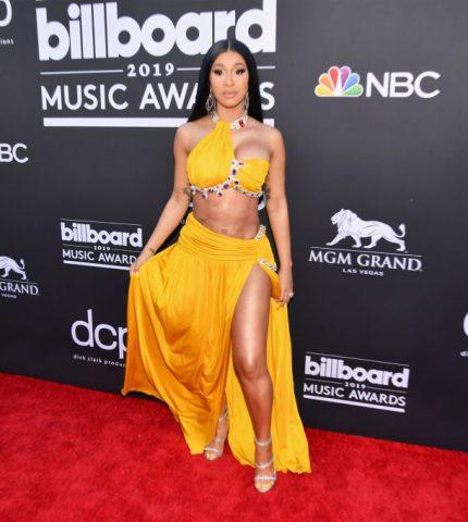 Billboard Music Awards 2019: лучшие образы с красной дорожки-430x480