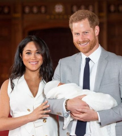 Меган Маркл и принц Гарри показали малыша-430x480