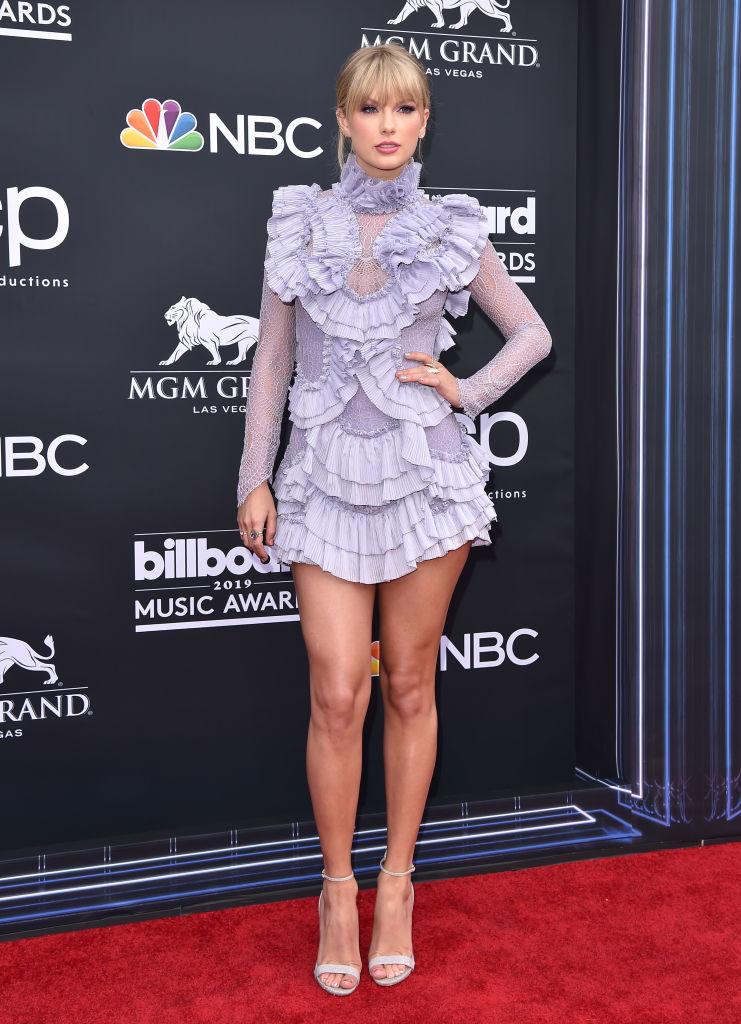 Billboard Music Awards 2019: лучшие образы с красной дорожки-Фото 1