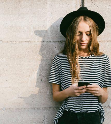 Как пользоваться приложениями для знакомств, чтобы не навредить своему ментальному здоровью-430x480