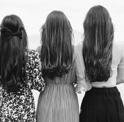 Как стареют волосы: все, что вам нужно знать-430x480