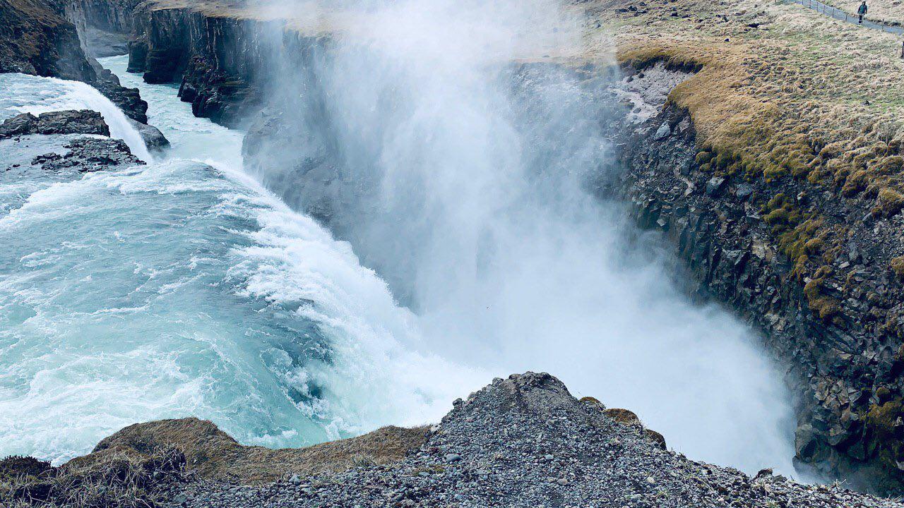 Рай для фанатов Marvel, необычные выпускные и фумарольные поля: 10 интересных фактов об Исландии-Фото 3