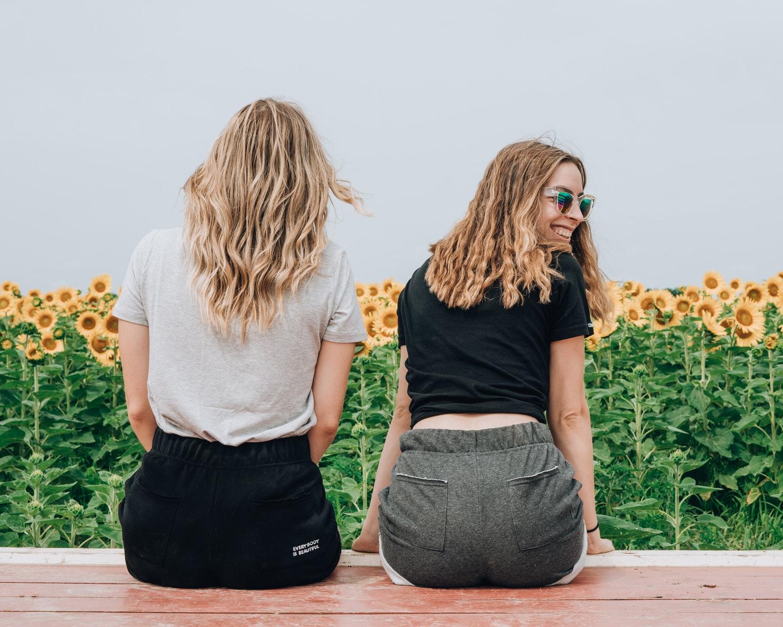Как блондинкам ухаживать за волосами: 5 летних советов-Фото 1