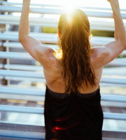Как осанка влияет на физическое и психологическое здоровье-430x480