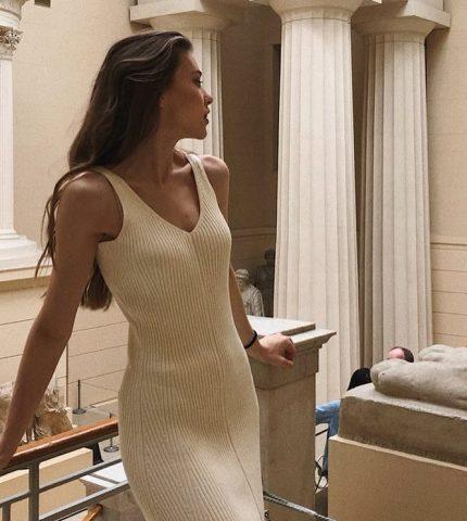 10 белых платьев для жаркой погоды-430x480