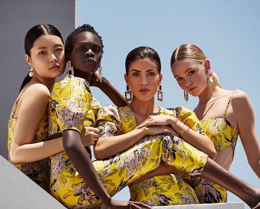 Модный блогер Камила Коэльо запускает собственный бренд одежды-Фото 1