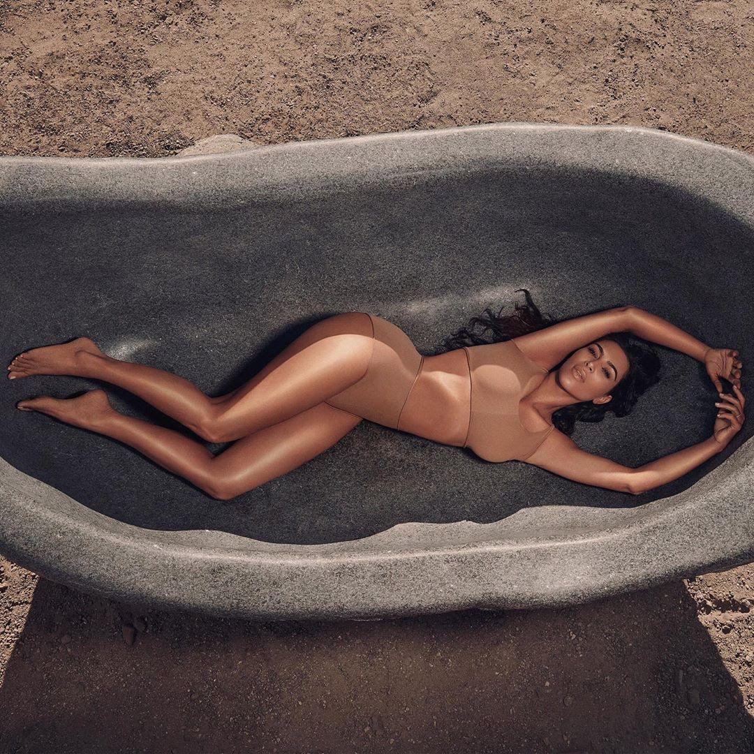 Ким Кардашьян выпустила тональный крем для тела-Фото 1
