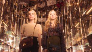 Аманда Сейфрид и Эмма Робертс снялись вместе для рекламы Fendi-320x180