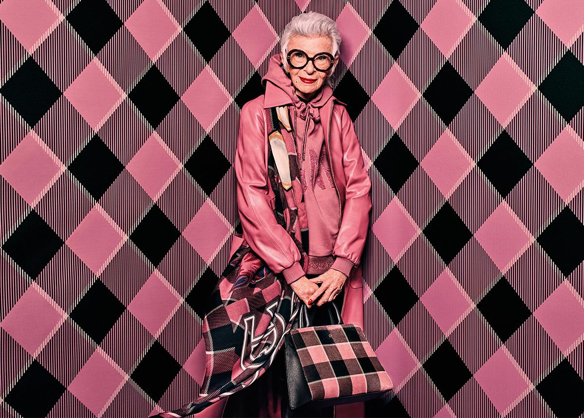 Айрис Апфель снова снялась в рекламной кампании бренда AIGNER-Фото 2