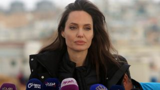 Анджелина Джоли стала приглашенным редактором в издании Time-320x180