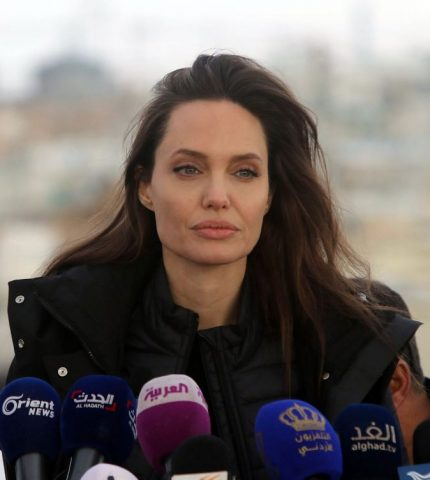 Анджелина Джоли стала приглашенным редактором в издании Time-430x480
