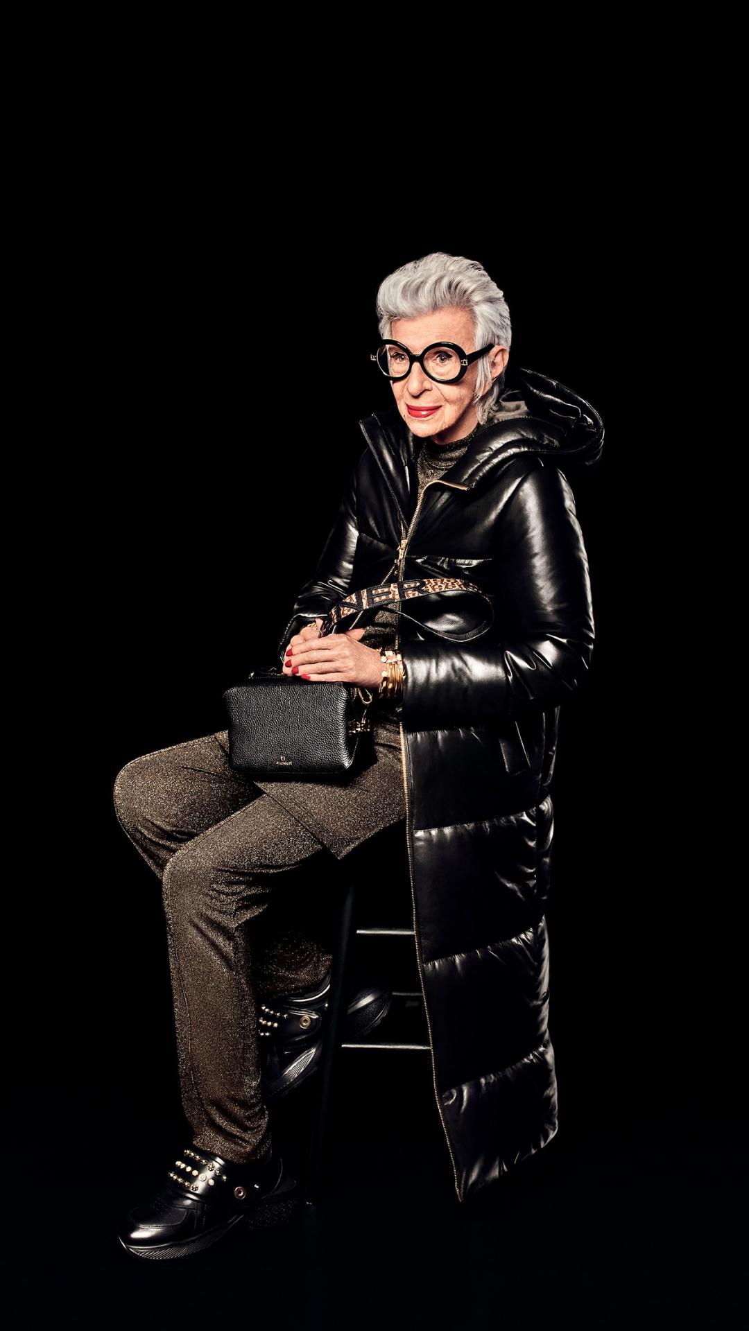 Айрис Апфель снова снялась в рекламной кампании бренда AIGNER-Фото 4