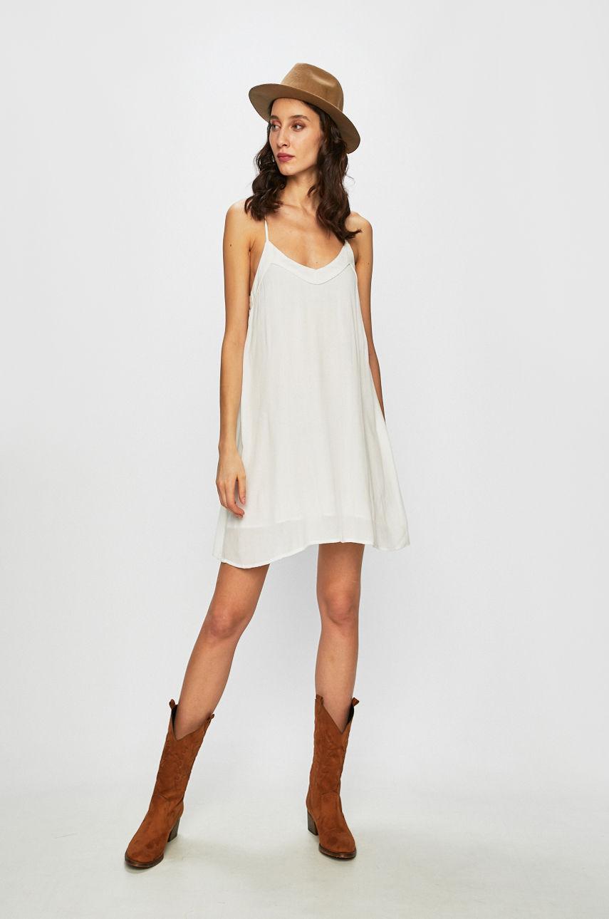 10 белых платьев для жаркой погоды-Фото 10