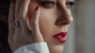 Тренды в макияже и яркие помады: интервью с визажистом Аленой Колесник-320x180