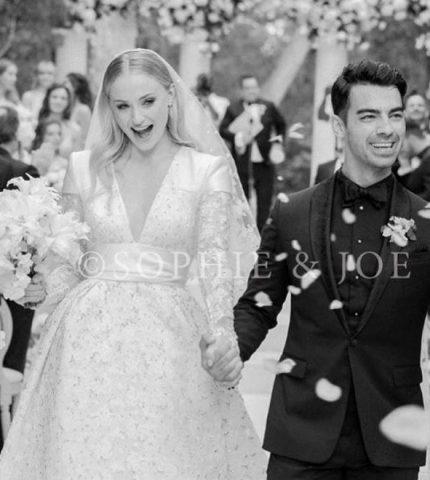 Первые фото свадьбы Джо Джонаса и Софи Тернер-430x480